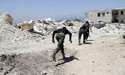 Phien quan Syria dua nhau thao chay khoi Dong Aleppo