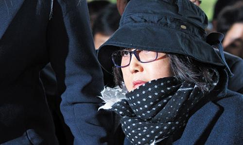 Ban than Tong thong Park Geun-hye bi them cao buoc hoi lo