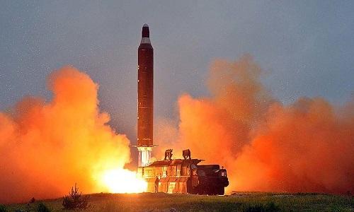 "Trieu Tien ""co the phong thu ten lua ICBM moi luc"""