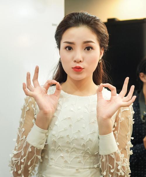 Hoa hau Ky Duyen lien tiep vuong scandal mac xau dien dao-Hinh-3