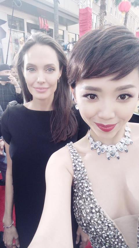 Toc Tien: Dua hoi sao ngoai de PR ten tuoi