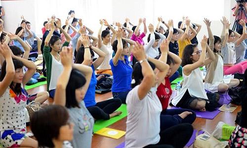 Bai tap yoga danh cho benh nhan ung thu