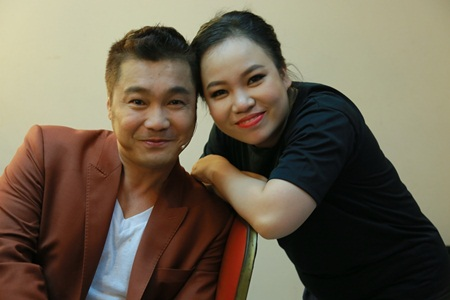 """Danh tinh nguoi phu nu """"chong e"""" cho Ly Hung o tuoi 47"""