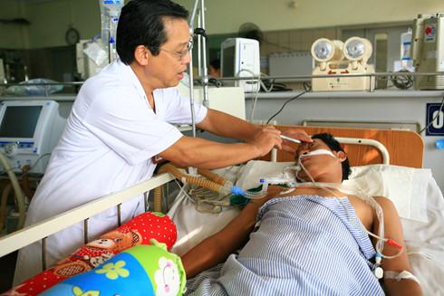 Nguyen tac song con cuu tinh mang khi bi ngo doc ruou