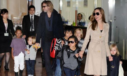 Angelina Jolie Brad Pitt nhan them con nuoi o Campuchia