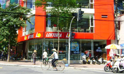 Nhung be boi rum beng cua Lotteria o Viet Nam-Hinh-3