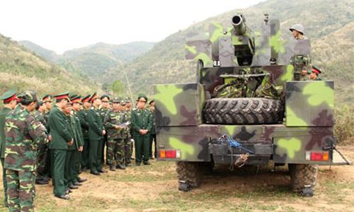 Viet Nam ban thu nghiem phao tu hanh 105mm