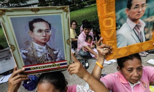 Du khach nen lam gi khi den Thai Lan dung dip quoc tang?