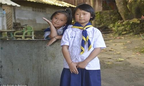 Su that sau buc anh hai co be Thai trom do khach Tay-Hinh-3