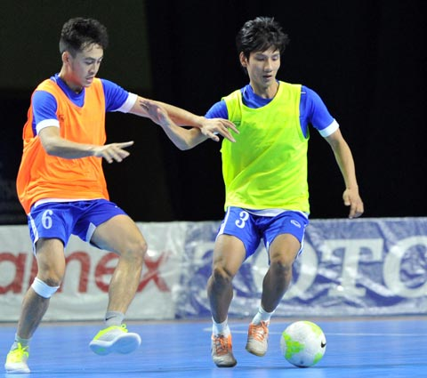 Futsal Viet Nam tap trung chuan bi cho giai Vo dich DNA-Hinh-2