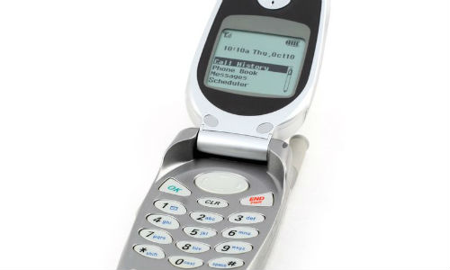 Bat ngo iPhone nap gap, man hinh cong sap ra mat