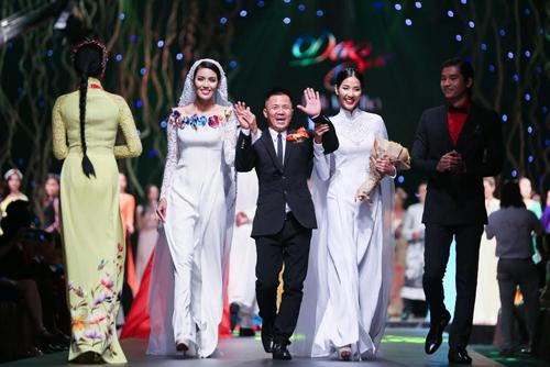 Dam Vinh Hung nong nan song ca cung Minh Tuyet