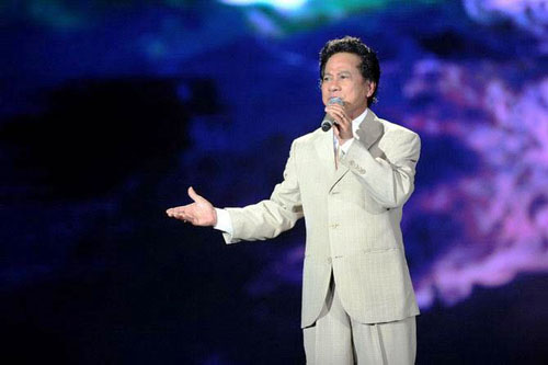 Danh ca Che Linh lan dau to chuc liveshow o TP HCM