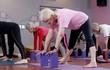 Xem cụ bà 100 tuổi tập yoga cực đỉnh