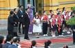 Tiết lộ bất ngờ về em bé tặng hoa Chủ tịch Tập Cận Bình tại Hà Nội