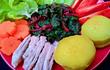 Món salad thịt heo rau củ ăn nhẹ nhàng lại đủ chất