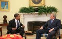 Tổng thống Bush hướng dẫn ông Obama tham quan Nhà Trắng