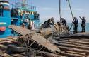 Cảnh trục vớt chiến đấu cơ Mỹ nằm dưới đáy biển 70 năm