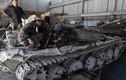 Đột nhập nhà máy sửa chữa xe thiết giáp ở Damascus