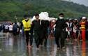 Hình ảnh tìm kiếm nạn nhân vụ rơi máy bay ở Myanmar