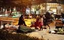 Cảnh đời người vô gia cư trong đêm đông giá lạnh