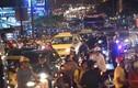 Ảnh: Nhiều tuyến đường kẹt cứng sau cơn mưa ở Sài Gòn