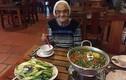 Bà cụ 89 tuổi một mình từ Nga sang VN nghỉ mát