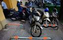 Ảnh: Barie vỉa hè Sài Gòn bị người thiếu ý thức vô hiệu hóa