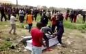 Kinh hoàng xác chết bị cướp ngay tại đám tang vì nợ