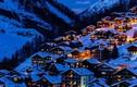 Bí ẩn ngôi làng thần tiên ẩn mình trên núi tuyết trắng xóa