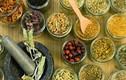 4 loại rau, gia vị có sức mạnh ngang ngửa kháng sinh