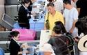 """Khách Trung Quốc """"ăn vạ"""" ở sân bay, không chịu về nước"""