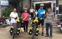 Kỷ lục: Vợ chồng trẻ đạp xe 11km từ châu Âu sang VN