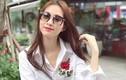 Cách mix áo thêu hoa hồng đẹp sành điệu như sao Việt