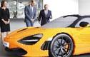 Hoàng tử Anh thích thú với siêu xe McLaren 720S lego