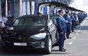 """""""Phát thèm"""" với dàn ôtô Tesla tiền tỷ được làm taxi"""