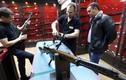 Dạo quanh cửa hàng bán súng tại Nga