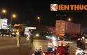 Xe máy tông xe container, một người chết thảm