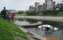 Taxi Group lao thẳng xuống sông Tô Lịch rồi chìm nghỉm