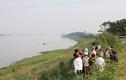 Đề nghị phía Trung Quốc tìm nạn nhân trôi sông
