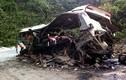 Clip: Hiện trường nổ xe khách ở Lào làm nhiều người Việt tử vong