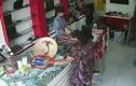Chiêu trộm cắp ngay trước mắt không hề bị phát hiện