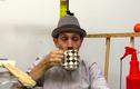 """Phong cách uống cà phê độc đáo của """"thánh lười"""""""