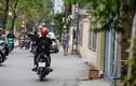 """Vỉa hè """"có như không"""" trên những tuyến phố Hà Nội"""