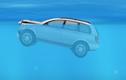 Làm thế nào thoát ra an toàn khi ô tô bị chìm dưới nước?