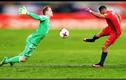 Những tình huống cứu thua khó tin của các thủ môn