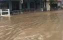 Vide: Hình ảnh sóng dữ khủng khiếp ở biển Sầm Sơn