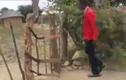 """Video: Chiếc cổng thông minh """"có một không hai"""" là đây"""