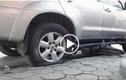 Video: Cách xử lý khi xe bị nổ vỏ