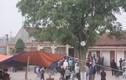 Dân vây giữ chủ tịch xã trong chùa Hội Am, Hải Phòng